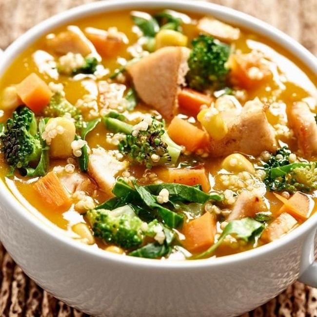 sopa-detox-com-frango-verde-de-legumes-7-kg-em-uma-semana